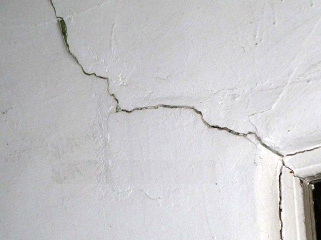 crepe nei muri delle case