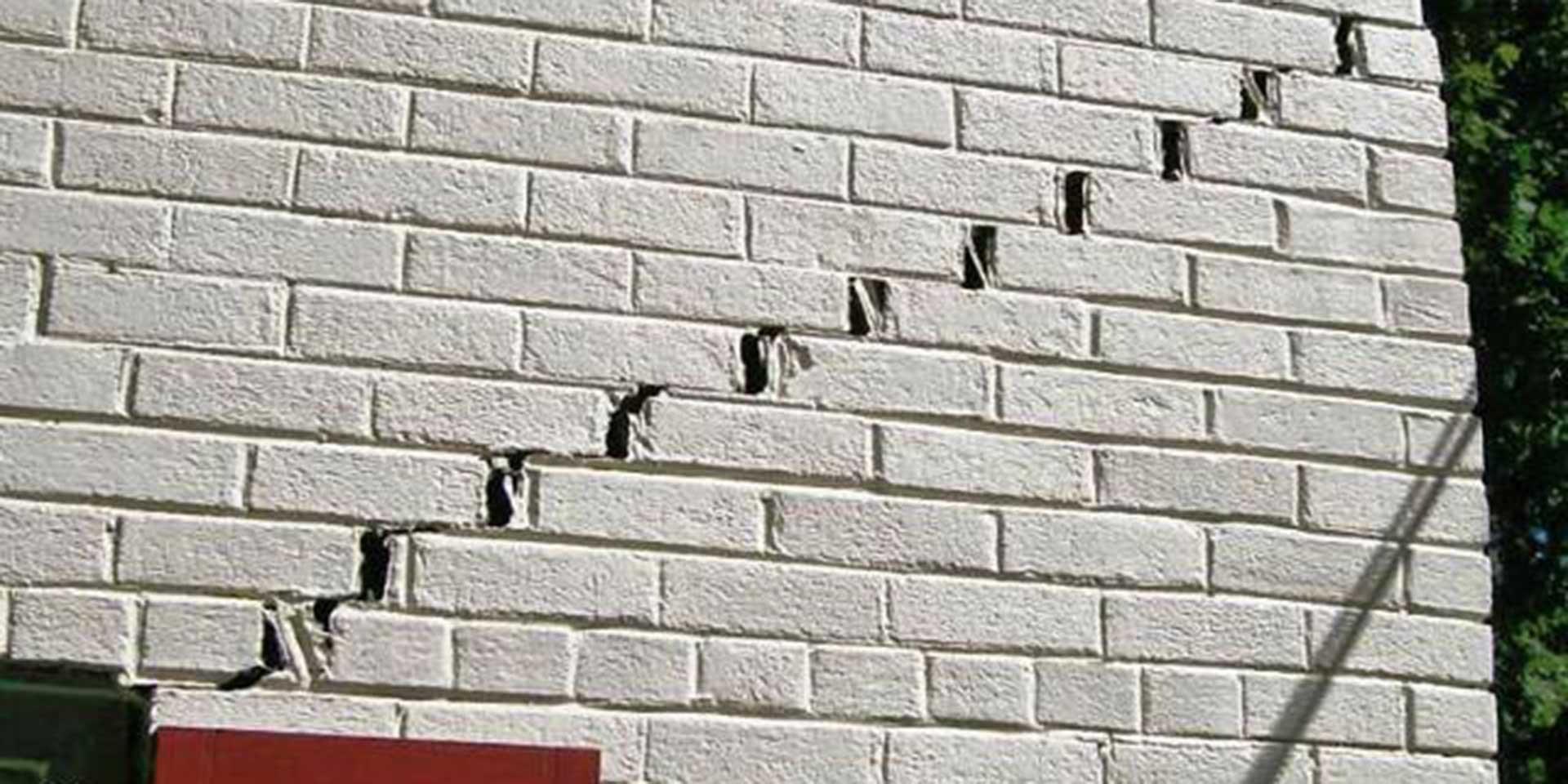 rimozione crepe nei muri